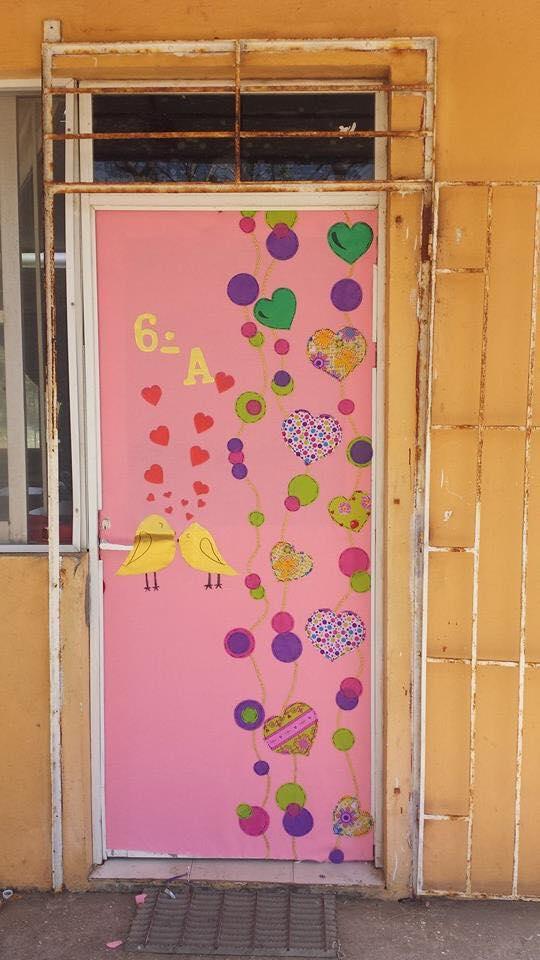 Decoracion dia del amor y dela amistad 25 imagenes for Decoracion para puertas