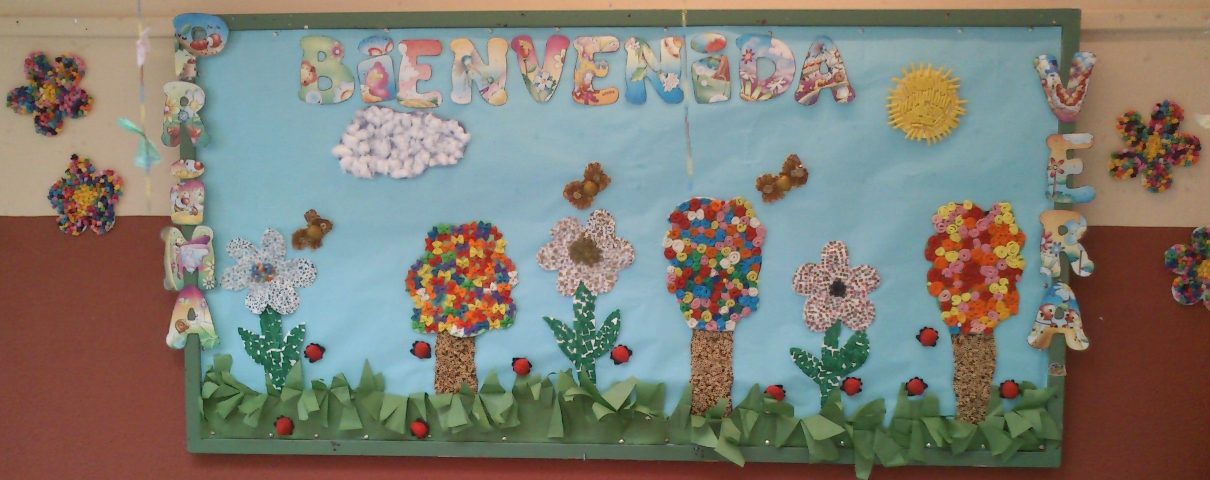 Murales primavera 12 imagenes educativas for Como decorar un mural