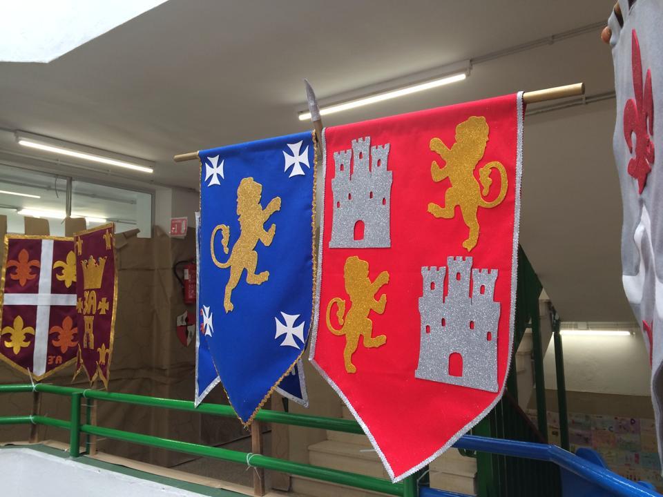 Castillo medieval 4 imagenes educativas - Manualidades castillo medieval ...