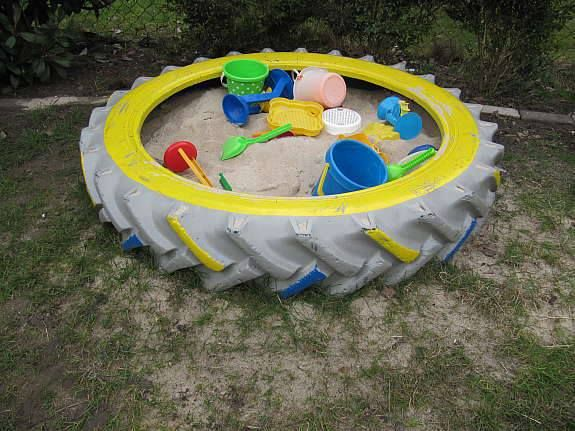 Juegos De Baño Reciclados:Tire Sand Box