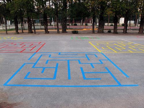 Juegos tradicionales patio colegio 5 imagenes educativas for Decoracion de espacios de preescolar