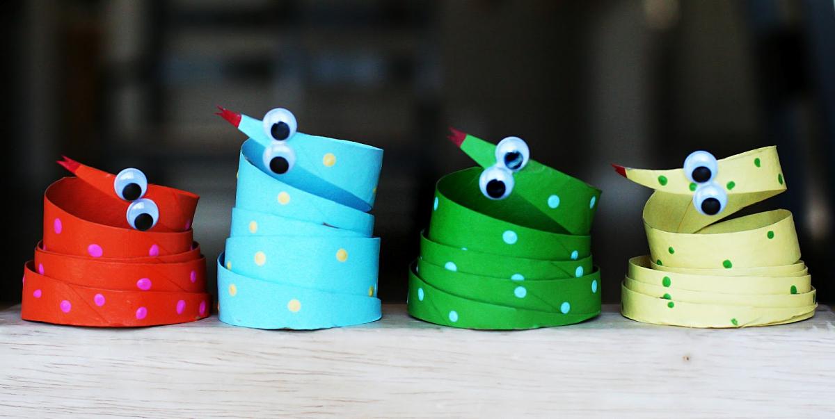 M s de 20 manualidades con rollos de papel higi nico for Trabajos manuales sencillos