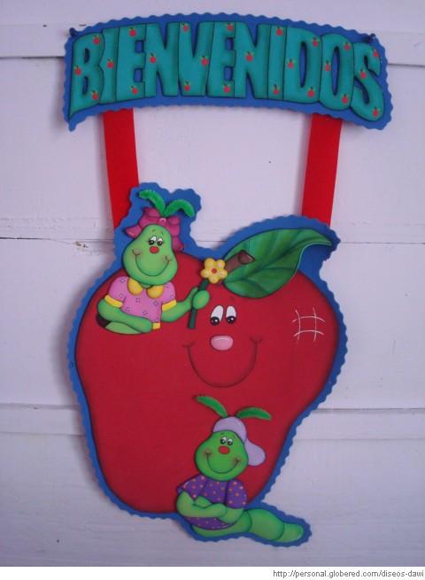 Peri dico mural del mes de agosto mural de bienvenida 9 for Decoracion para puertas de preescolar