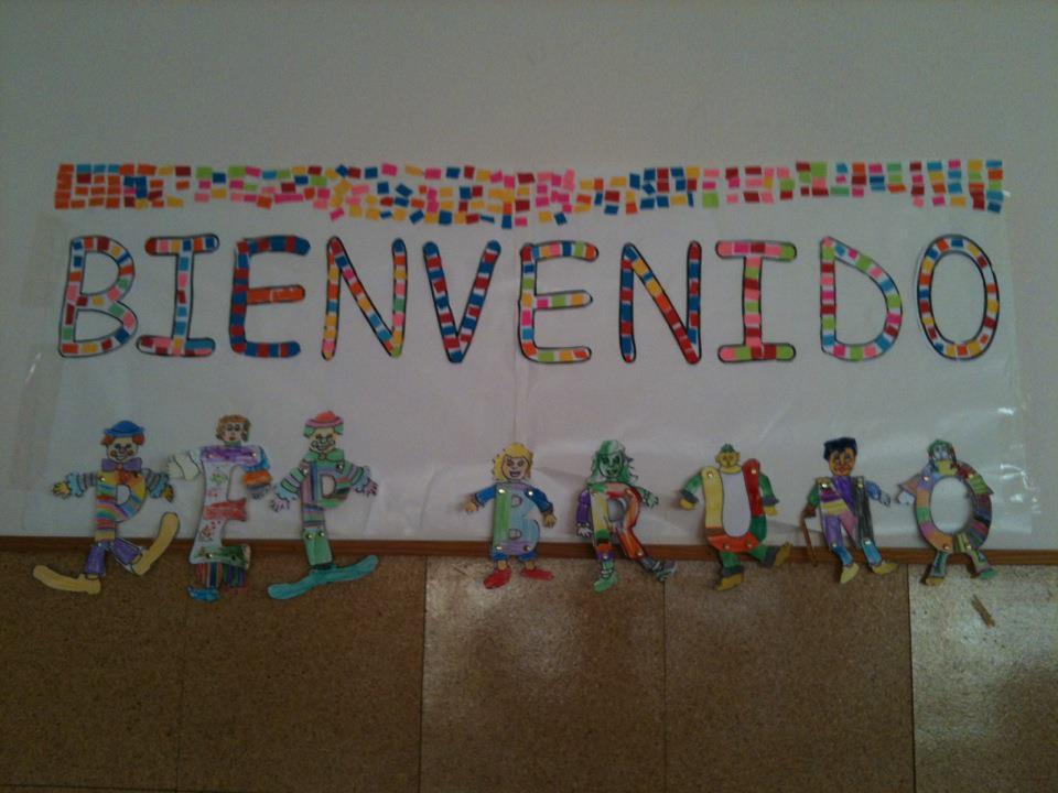 Peri dico mural del mes de agosto mural de bienvenida 2 for Cuanto cobrar por pintar un mural