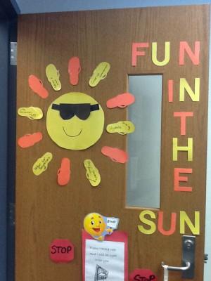 Colecci n de puertas para decorar tu clase en marzo llega for Puertas decoradas para regreso a clases